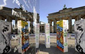 berlin wall dominos